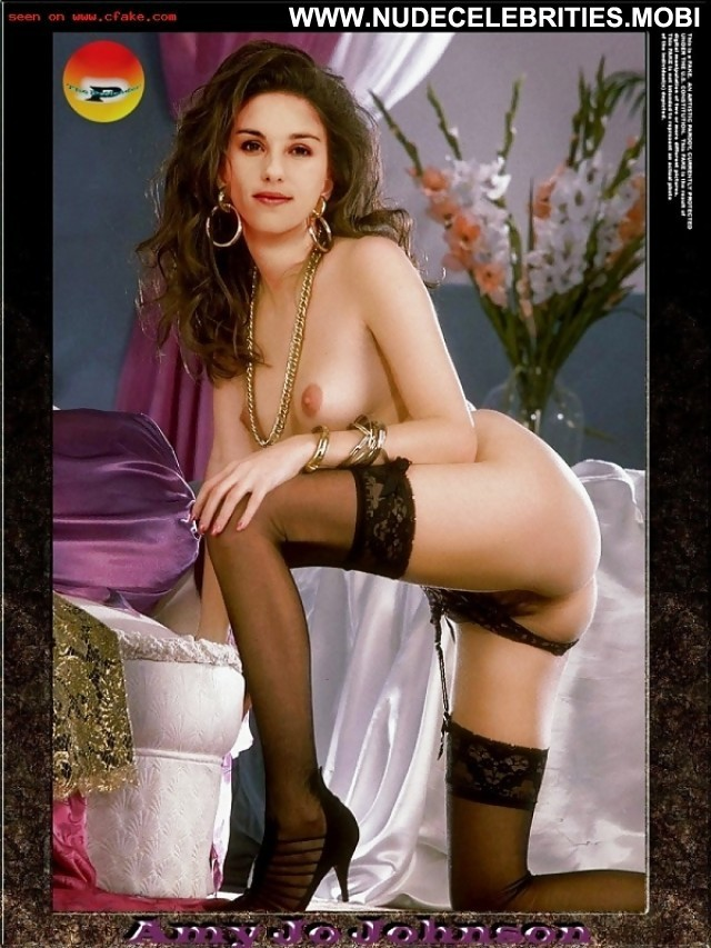Amy Jo Johnson Pictures Celebrity Hot Beautiful Nude Scene Cute Doll