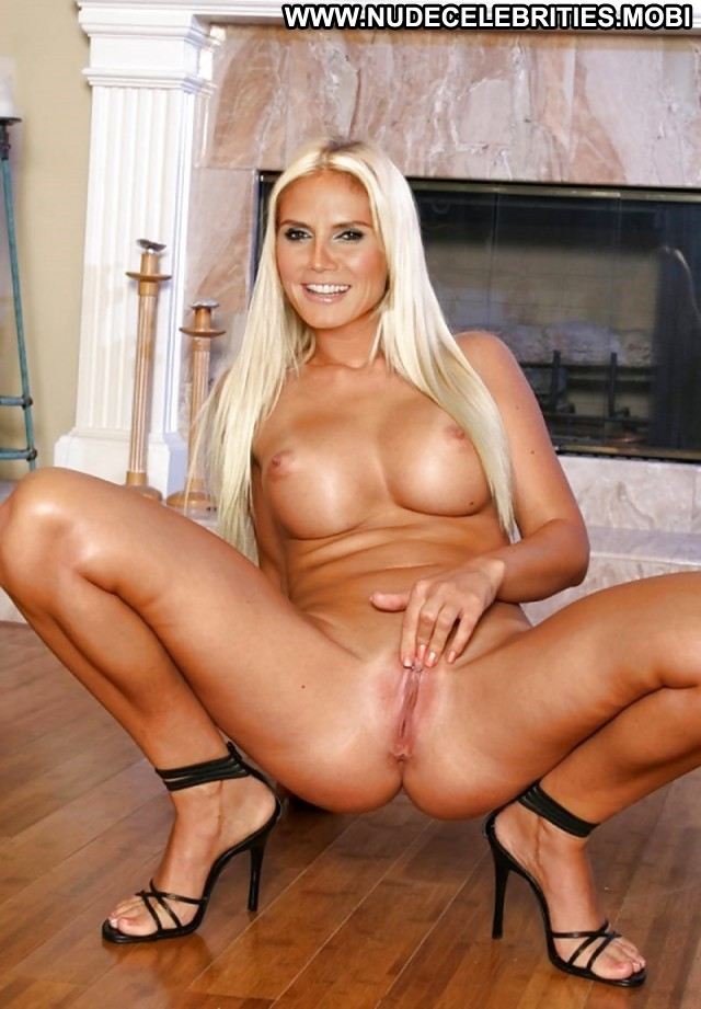 Hot Sexy Blonde Pics