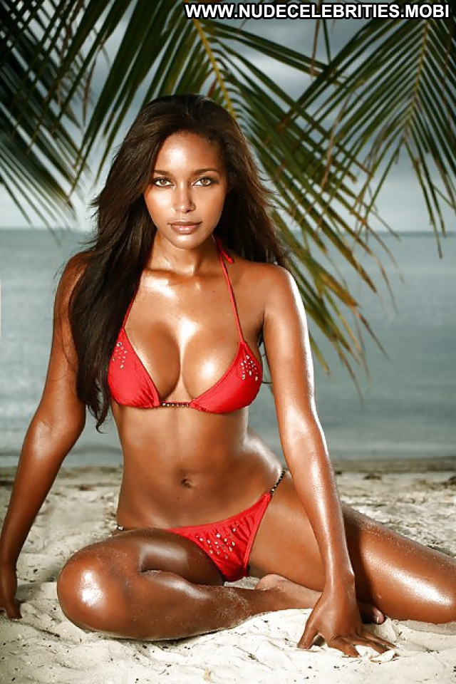 Brandi Reed Pictures Ebony Sexy Sea Bra Hot Celebrity