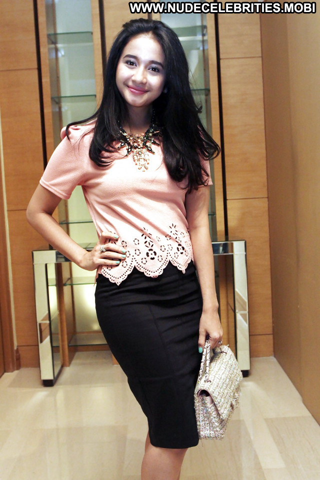 Jamika Pictures Hot Asian Babe Actress Indonesian Celebrity Indonesia